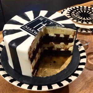HB-Torte von Cynthia Barcomi_innenwie aussen stilecht_Popupstore_Sademann