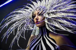 FSP_PR_VIVID_Zebra_Woman_Foto_Dennis_Weinboerner_web