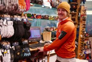 Skistaderl_Jurien passt Ski an_Sademann_web