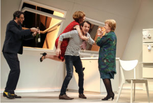 "drama-berlin.de 22.03.2019 Renaissance-Theater Berlin ""NEIN ZUM GELD!"" von Flavia Coste, Regie: Tina Engel, Buehne: Manfred Gruber, Kostueme: Monika Jacobs, Premiere am 30.03.2019. Szene mit Michael Rotschopf (als Etienne Rougery, Richards bester Freund), Sarah Bauerett (als Claire Carre, Richards Frau), Hans-Werner Meyer (als Richard Carre) und Erika Skrotzki (als Rose Carre, Richards Mutter). // Renaissance-Theater Berlin 'NO A L'ARGENT !' by Flavia Coste, director Tina Engel, set design Manfred Gruber, costume design Monika Jacobs, opening March 30, 2019. Scene with Michael Rotschopf (as Etienne Rougery, Richard's Best Friend), Sarah Bauerett (as Claire Carre, Richard's Wife), Hans-Werner Meyer (as Richard Carre) and Erika Skrotzki (as Rose Carre, Richard's Mother)."