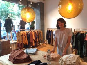 Storemanagerin Annelie Geipel arbeitet bereits viele Jahre im Green Fashion Bereich und ist eigentlich sudierte Agrarexpertin für nachwachsende Rohstoffe