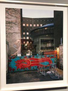 Das E Werk spiegelt sich_Ausstellungsbesuch_No Photos on the Dancefloor_C-O-Berlin_Sademann (7)