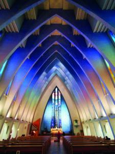 236 Die Galsfenster der Kirche am Hohenzollernplatz (c) THomas Jonglez