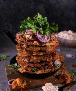 Krosse Kartoffelpuff_ Kimchi-Schmand